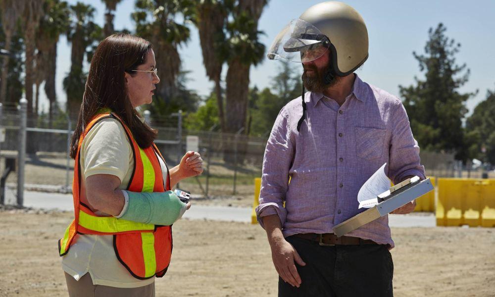Баскетс 4 сезон, кадр из сериала