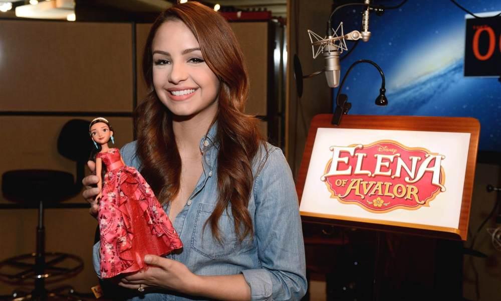 Елена – принцесса Авалора 3 сезон, кукла на выставке, озвучка Эйми Карреро