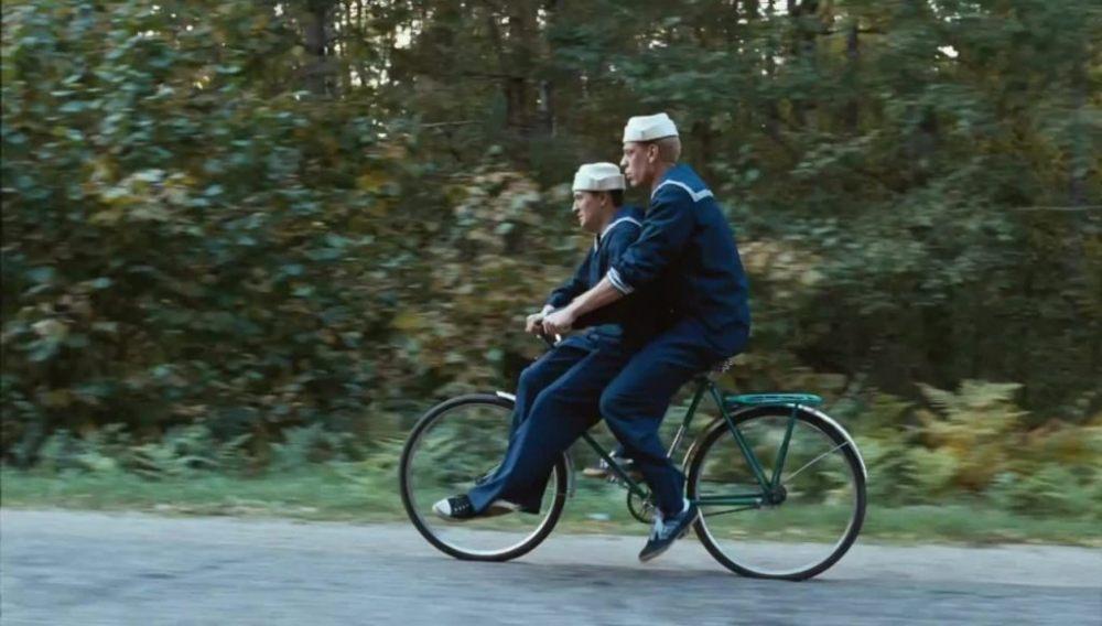 Каникулы строгого режима 2, кадр из фильма