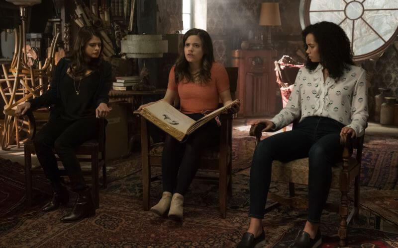 Зачарованные 2 сезон кадр из сериала
