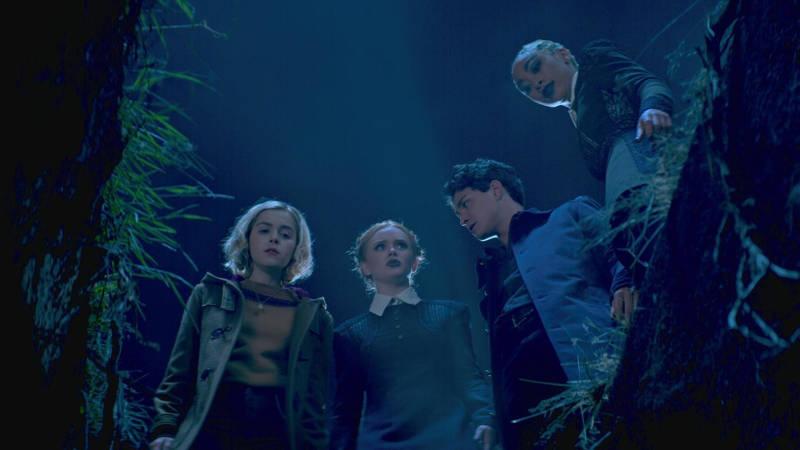 Леденящие душу приключения Сабрины 2 сезон картинка