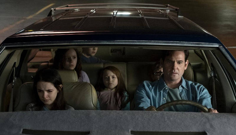 Призраки дома на холме 2 сезон кадр из фильма