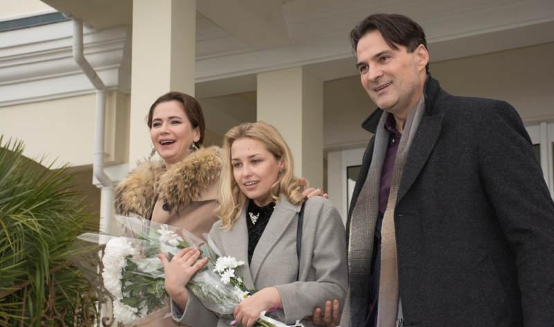 Ловушка для королевы 2 сезон кадр из сериала