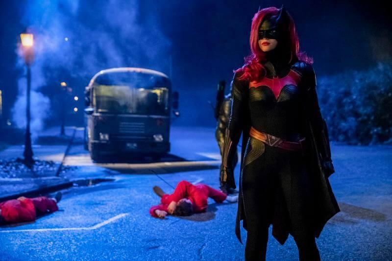Кадр из сериала Бэтвумен 2 сезон