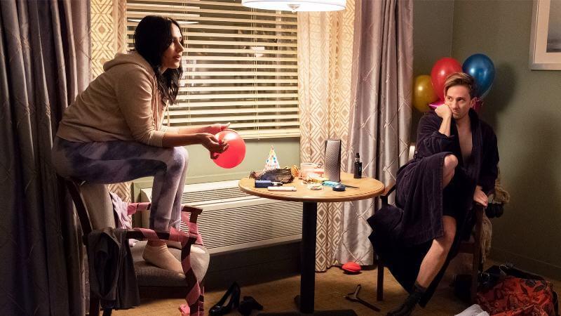 Кадр из сериала Комната 104
