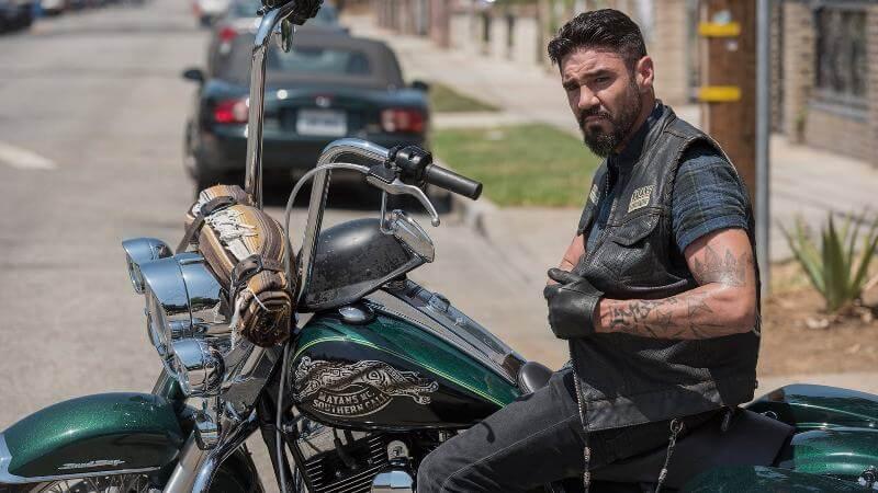 На мотоцикле Майянцы 3 сезон