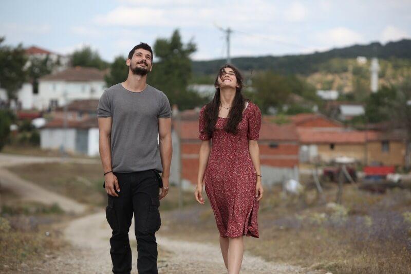 Дениз Джан Акташ в сериале Любовь заставляет плакать 2 сезон