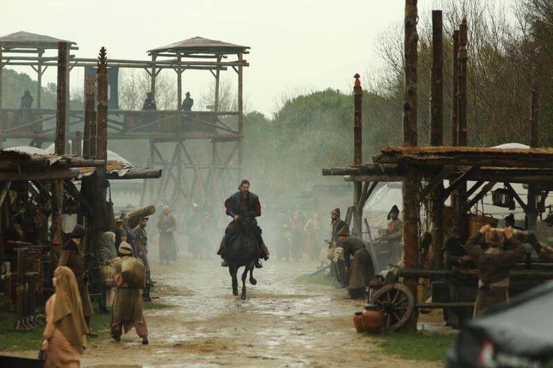 Главный герои Основание: Осман на коне
