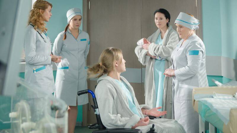 Кадр из сериала Женский доктор