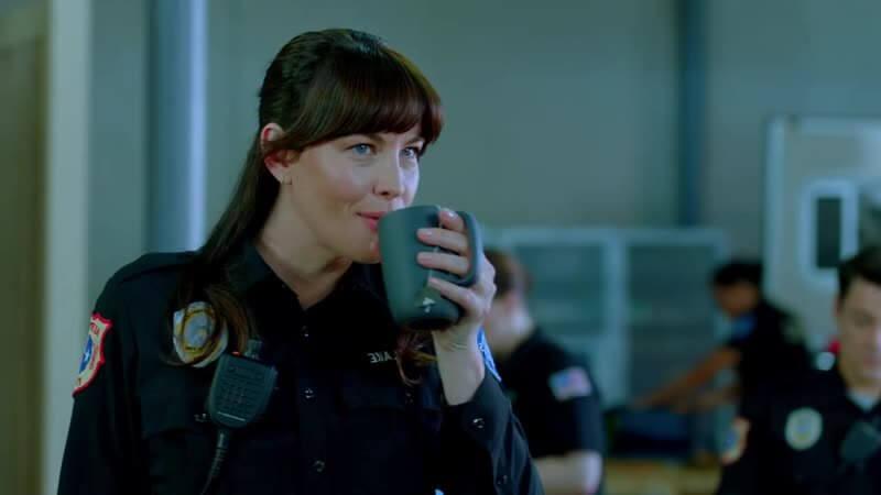 Лив Тайлер 911: Одинокая звезда 2 сезон