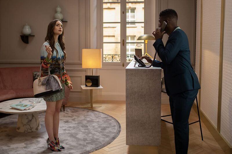 Лили Коллинз в сериале Эмили в Париже 2 сезон