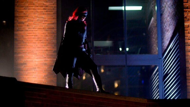 Главная героиня Бэтвумен 3 сезон