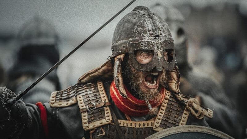 Кадр из сериала Викинги: Вальхалла 1 сезон