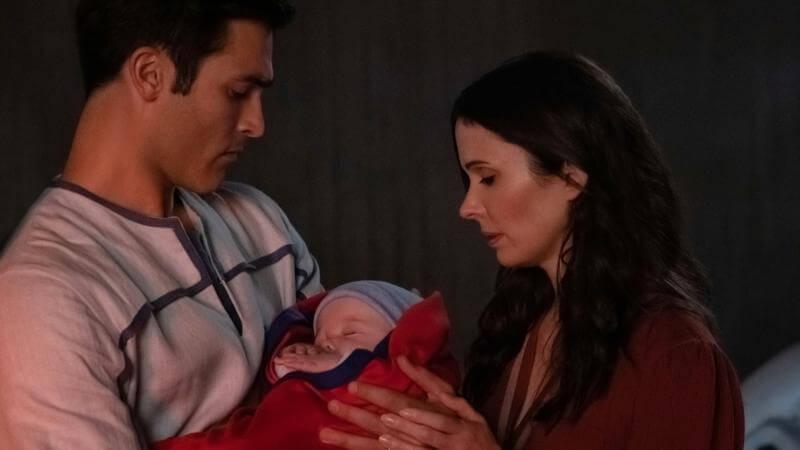 С ребёнком Супермен и Лоис