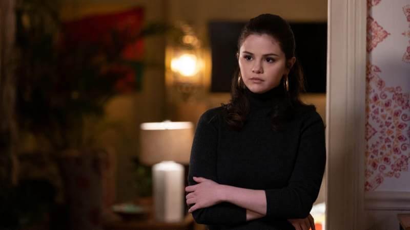 Селена Гомес в сериале Убийства в одном здании 2 сезон